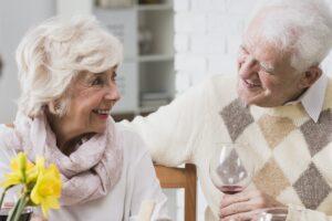 Elderly marriage during family dinner